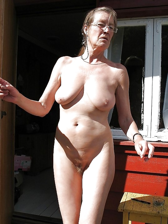 Fucking mature naked woman